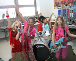 """Encouraging girls (and all kids) to rock out! """"Science Riot Girls"""" and the joy of creating empowering music!"""